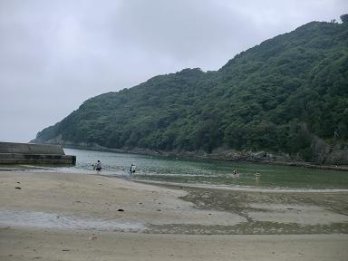 下田東急ホテルに泊まって鍋田浜海水浴場で海水浴