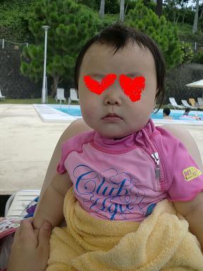 赤ちゃんの海水浴に大活躍のラッシュガード